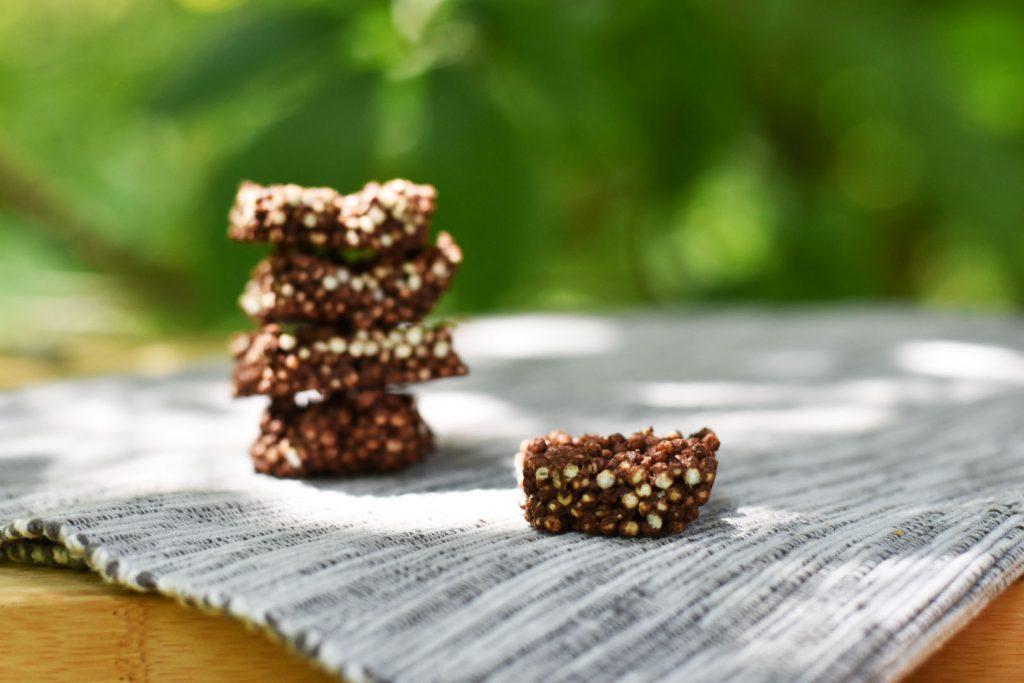kvinojini čokoladni hrustljavčki
